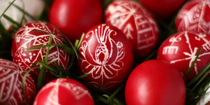 easter-red-eggs